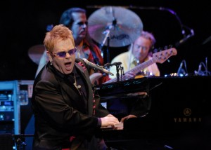Elton John in costa smeralda